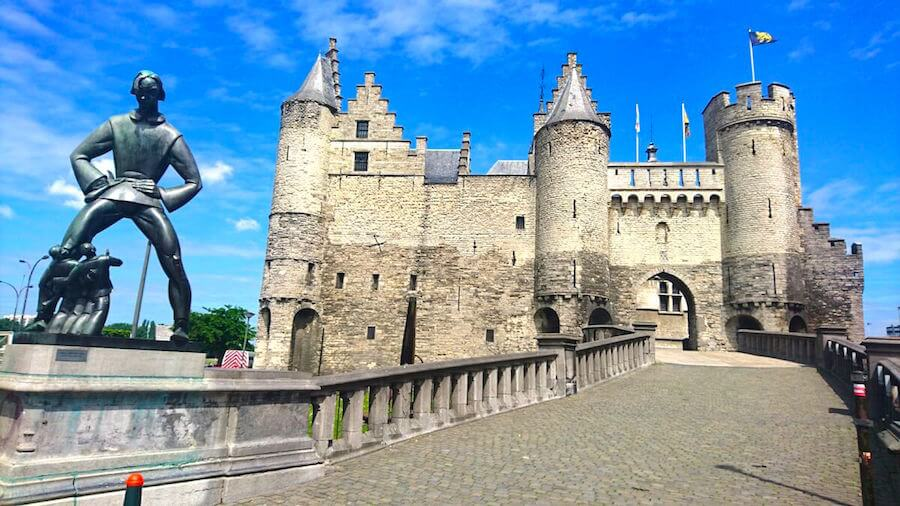 Lange Wapper Statue outside Het Steen Antwerp