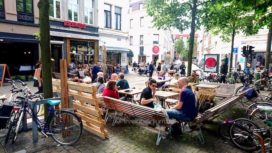Dageraadplaats Restaurants in Zurenborg District